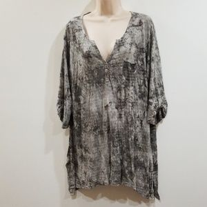 🕺💃Hp🕺💃Avenue gray shark bite blouse size 22/24